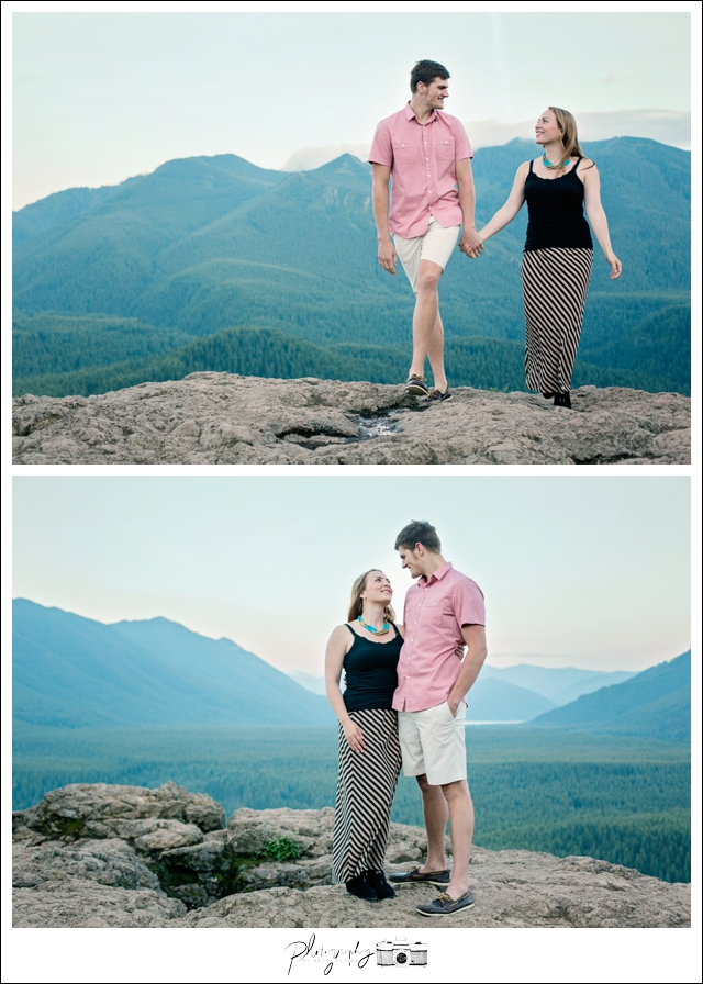 Issaquah-Engagement-Photos-Rattlesnake-Ridge-Ledge-Seattle-Wedding-Photography-by-Betty-Elaine-Mountain-Top-Bride-Groom-7