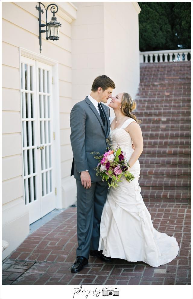 Seattle-wedding-photographer-Sacramento-Grand-Isle-Mansion-Historic-Bride-Groom-photos_0001