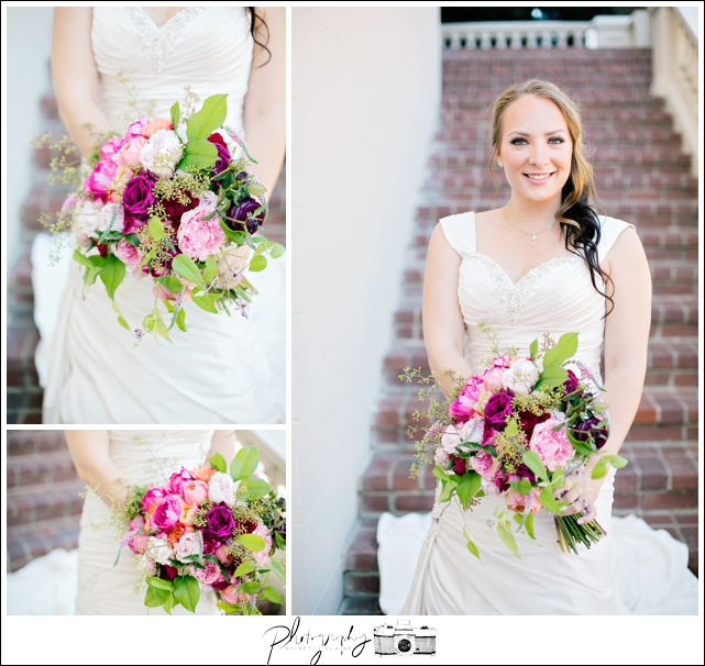 14-Bridal-Portraits-Bride-Bouquet-Wedding-Flowers-Grand-Island-Mansion-Seattle-Wedding-Photographer-Photography-by-Betty-Elaine