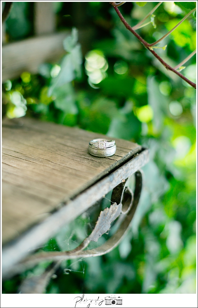 3-Wedding-Rings-Details-Getting-Ready-Seattle-Wedding-Photographer-Photography-by-Betty-Elaine