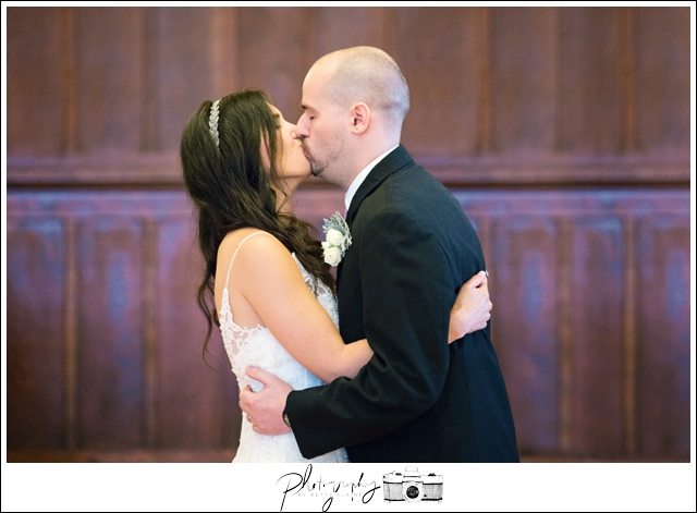 12-Ceremony-Kiss-the-Bride-Snohomish-Wedding-Photography-by-Betty-Elaine-Seattle-Wedding-Photographer