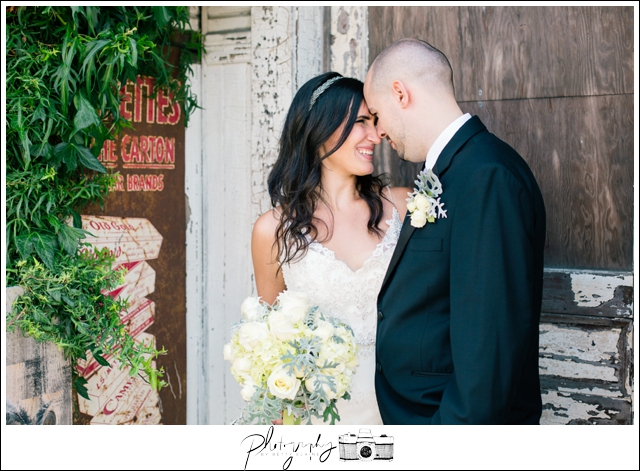 19-Bridal-Portraits-Bride-Groom-Wedding-Bouquet-Snohomish-Historic-Downtown-Rustic-Wedding-Photography-by-Betty-Elaine-Seattle-Wedding-Photographer