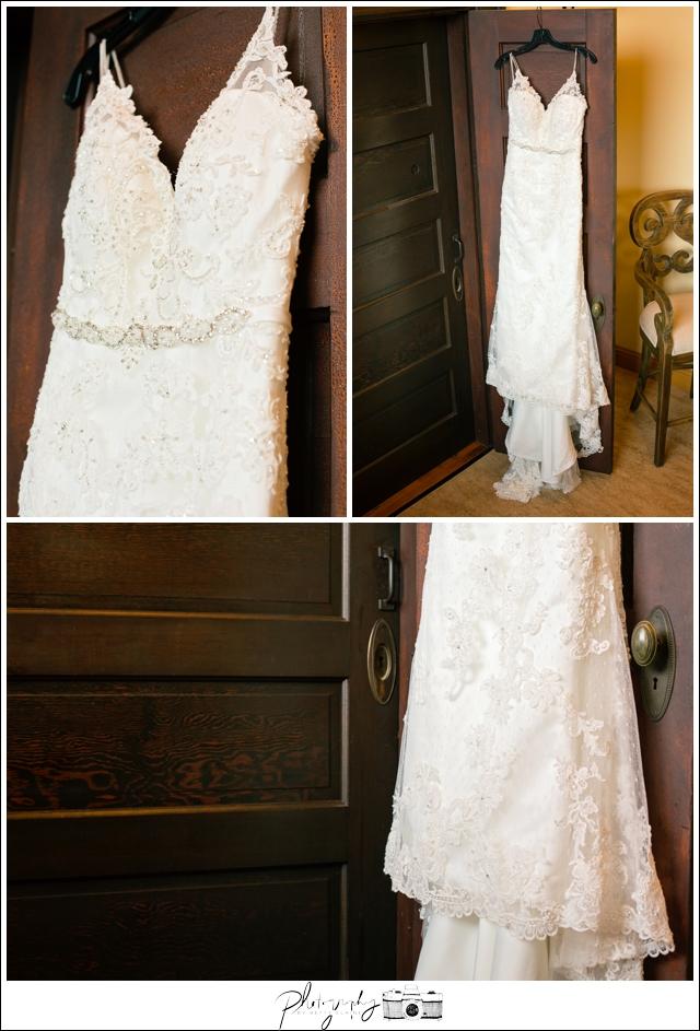 2-Bridal-Wedding-Dress-Snohomish-Wedding-Photography-by-Betty-Elaine-Seattle-Wedding-Photographer