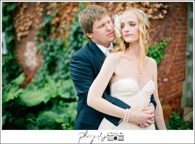 27-Bridal-Portraits-Bride-Groom-Romantic-Urban-North-Shore-Pittsburgh-Destination-Seattle-Wedding-Photography-by-Betty-Elaine