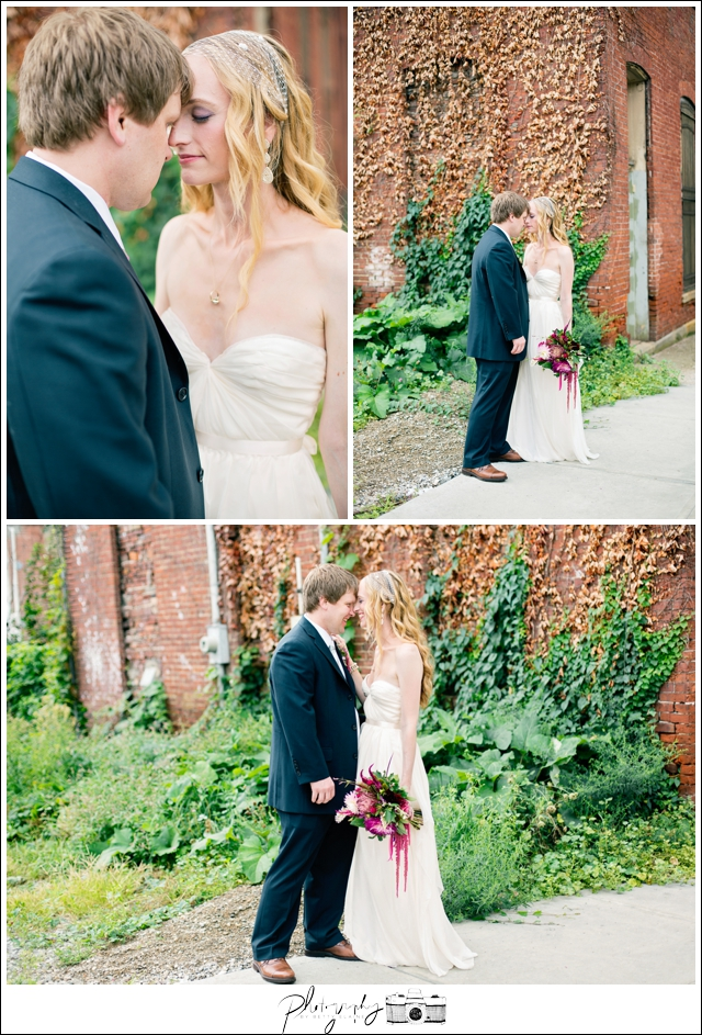 28-Bridal-Portraits-Bride-Groom-Romantic-Urban-North-Shore-Pittsburgh-Destination-Seattle-Wedding-Photography-by-Betty-Elaine