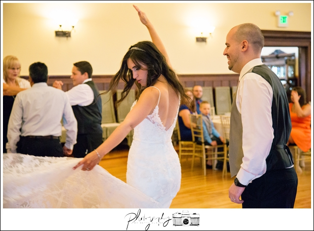 34-Reception-Dancing-Snohomish-Wedding-Photography-by-Betty-Elaine-Seattle-Wedding-Photographer