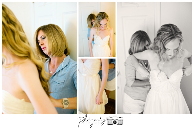 5-Bride-Getting-Ready-MOB-Seattle-Wedding-Photographer