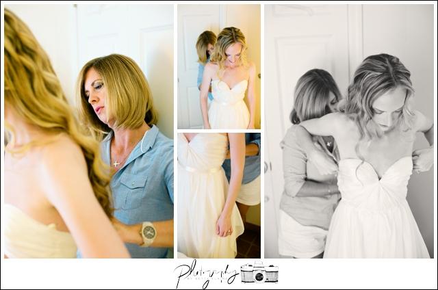 5-Bride-Getting-Ready-MOB-Seattle-Wedding-Photographer