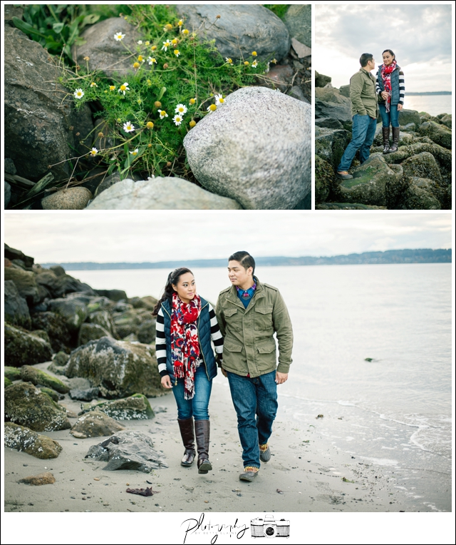 7-Engagement-Discovery-Park-Ocean-Costal-Lighthouse-Northwest-Seattle-Wedding-Photographer-Photography-by-Betty-Elaine