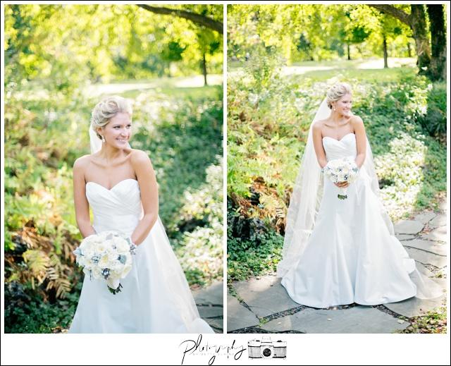20-Bridal-Portraits-Romona-Keveza-Dress-Gowns-white-bouquet-Seattle-Wedding-Photographer-Photography-by-Betty-Elaine