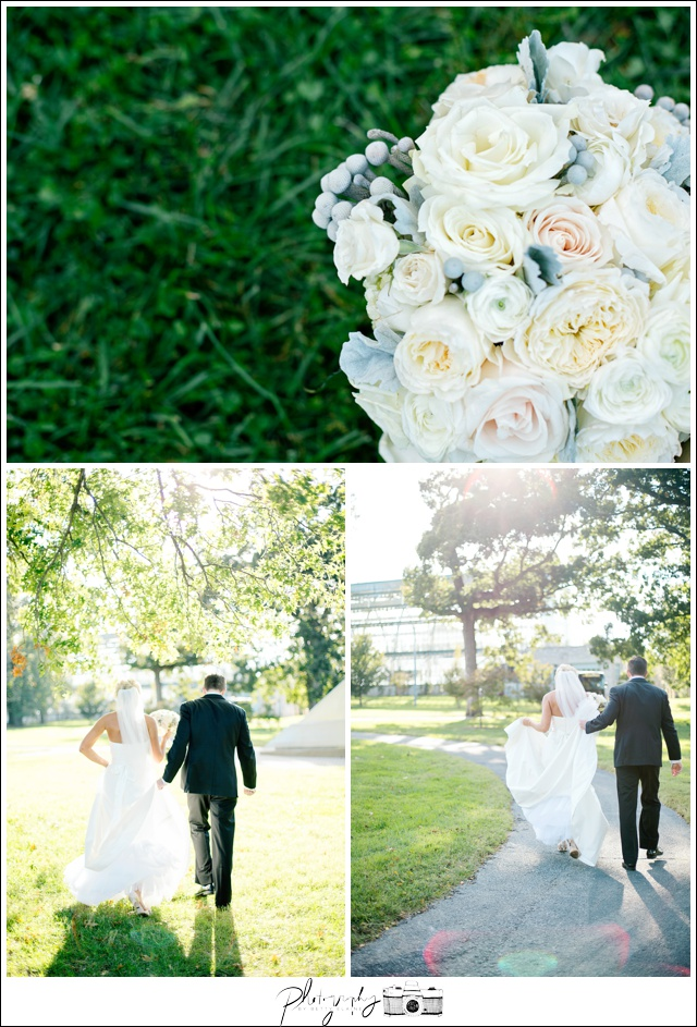27-Elegant-Flowers-white-bouquet-sunflare-candid-bride-groom-portraits-Seattle-Wedding-Photographer-Photography-by-Betty-Elaine