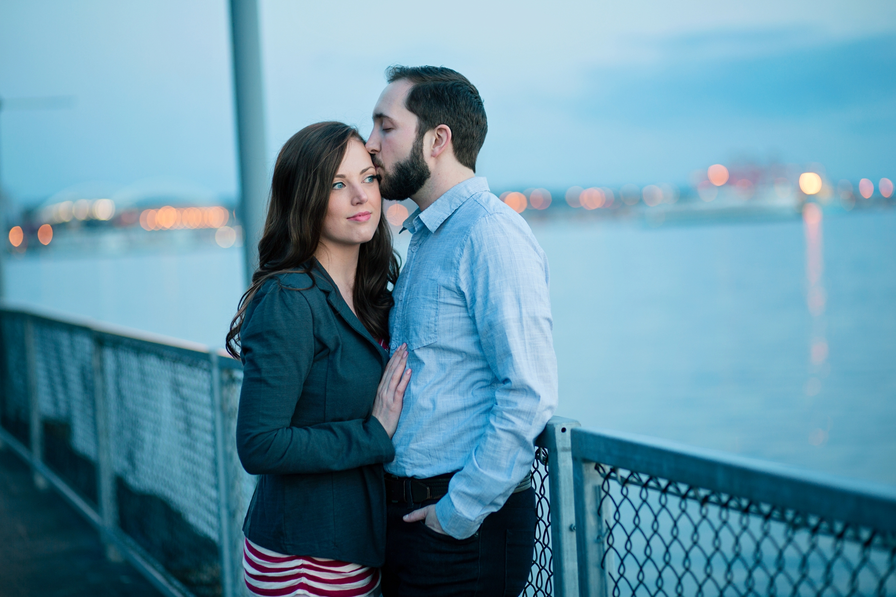 14-Engaged-Seattle-Downtown-Waterfront-Romantic-twilight-boardwalk-cityscape-Enagement-Photographer-Wedding-Photography-by-Betty-Elaine