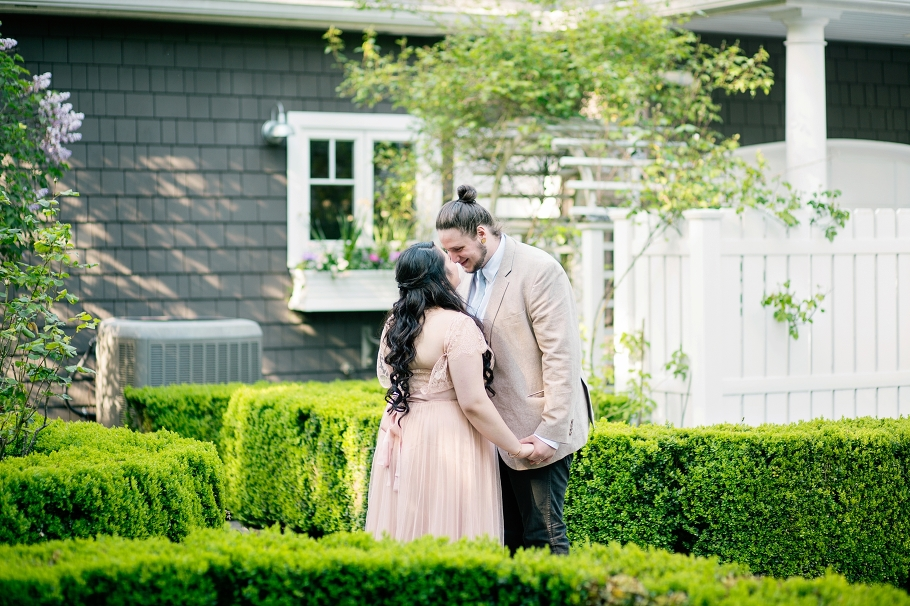 Bride-Groom-Bridal-Portraits-Garden-Elopement-Woodinville-Seattle-Photographer-Wedding-Photography-by-Betty-Elaine