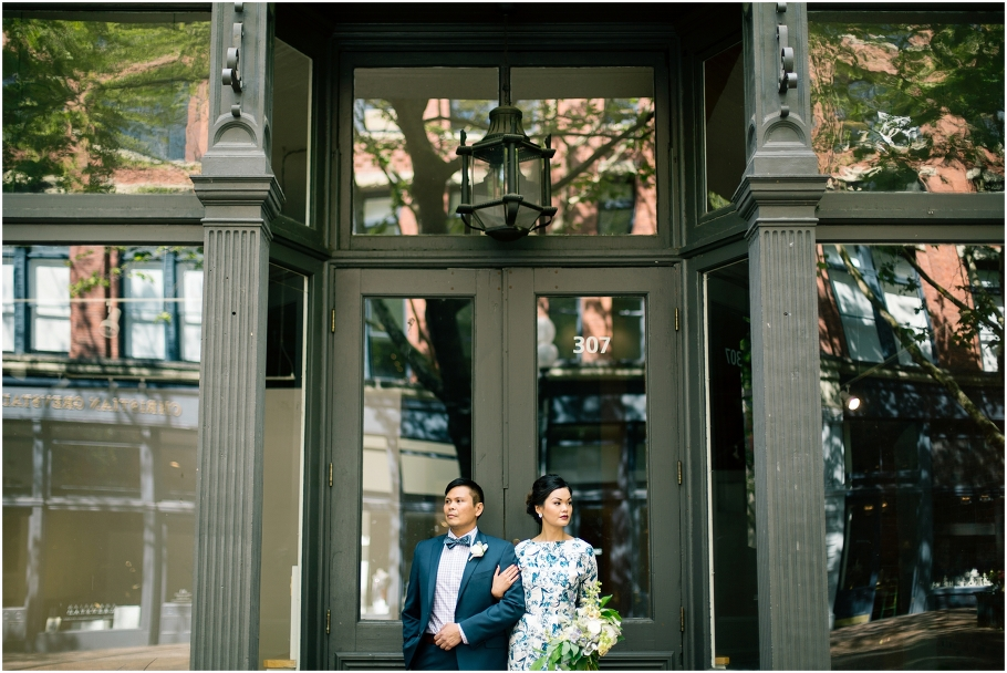 1-Bride-Groom-Romantic-Editorial-Portraits-Occidental-Park-Pioneer-Square-Seattle-Wedding-Day-Photographer-Photography-by-Betty-Elaine