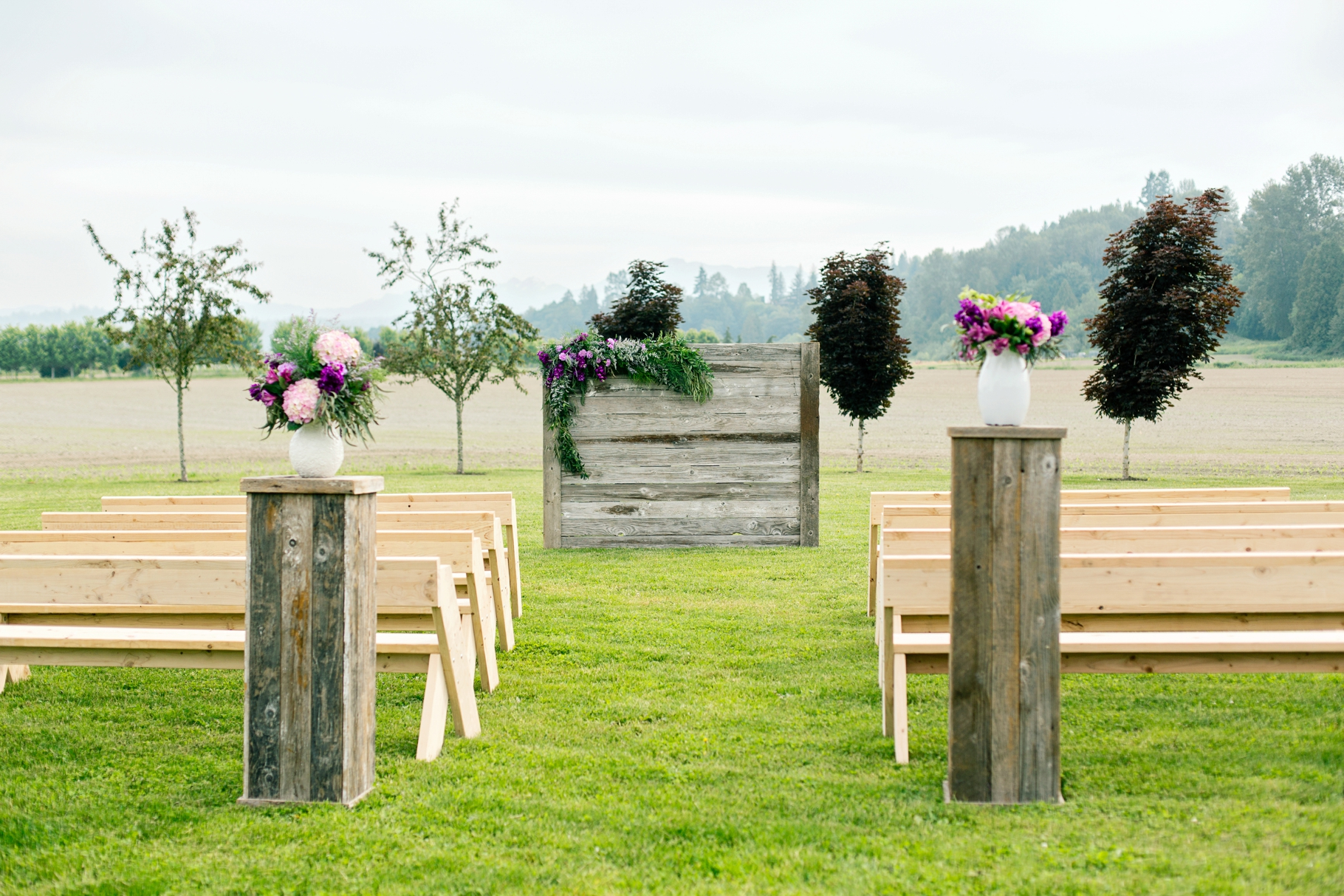 1-Craven-Farm-Ceremony-Mountains-Countryside-Snohomish-Wedding-Tour-Seattle-Photographer-Photography-by-Betty-Elaine