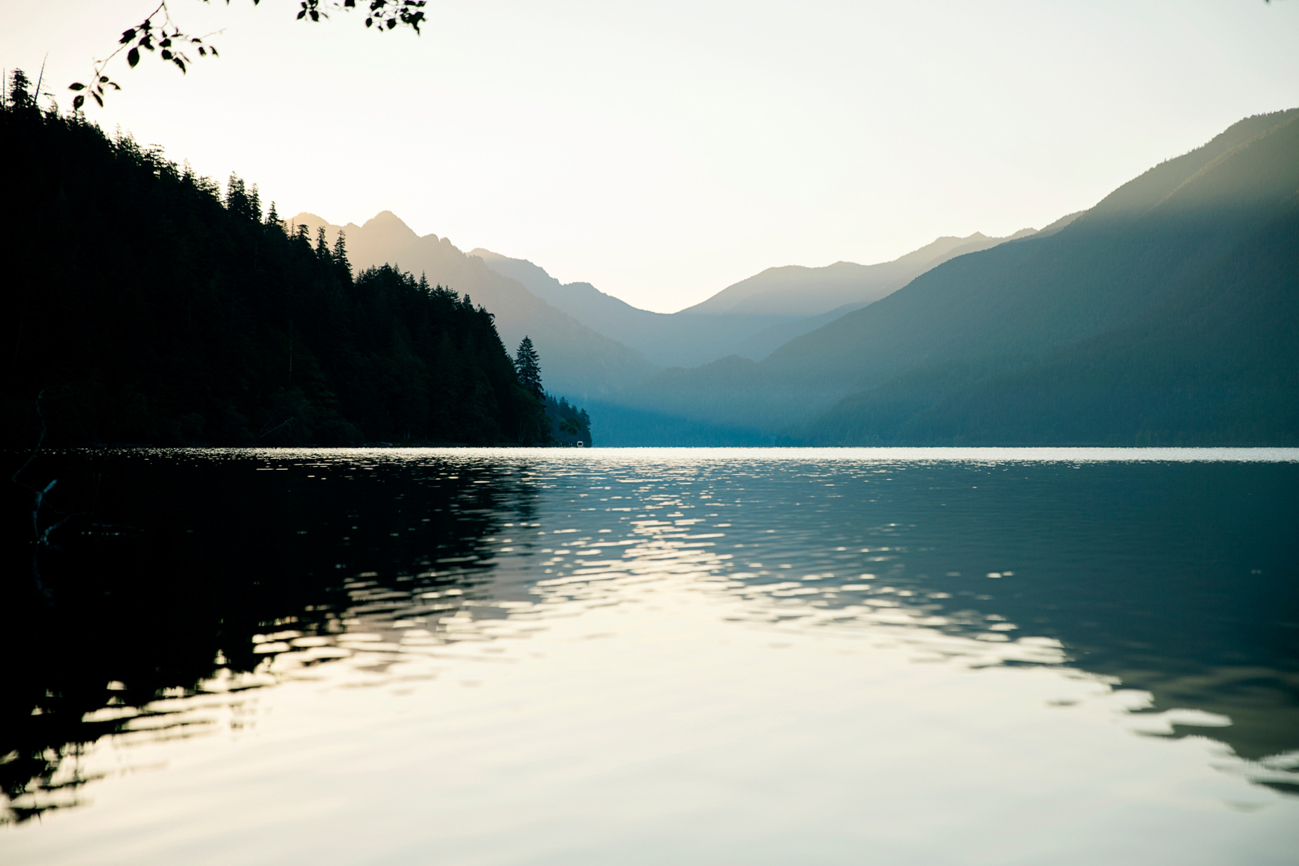 68-2015-Photographer-Year-in-Review-Lake-Cresent-Olympic-National-Park-Seattle-Wedding-Photography-by-Betty-Elaine