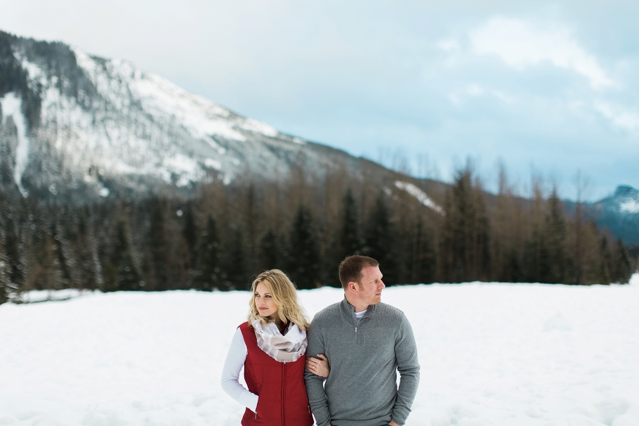 Snoqualmie-Pass-Seattle-Enagement-Photographer-Wedding-Photography-by-Betty-Elaine