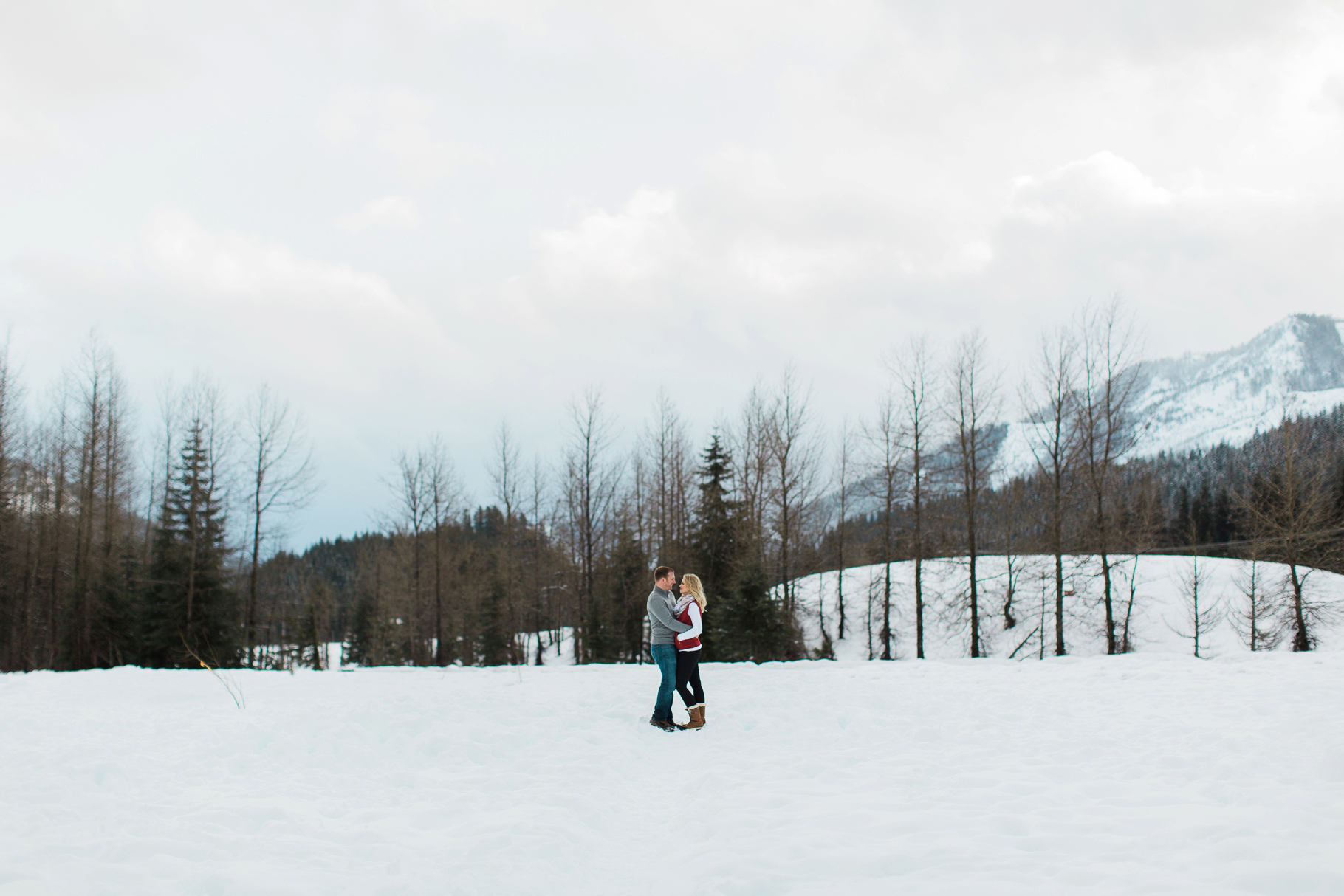Snoqualmie-Pass-Seattle-Enagement-Photographer-Wedding-Photography-by-Betty-Elaine_0010