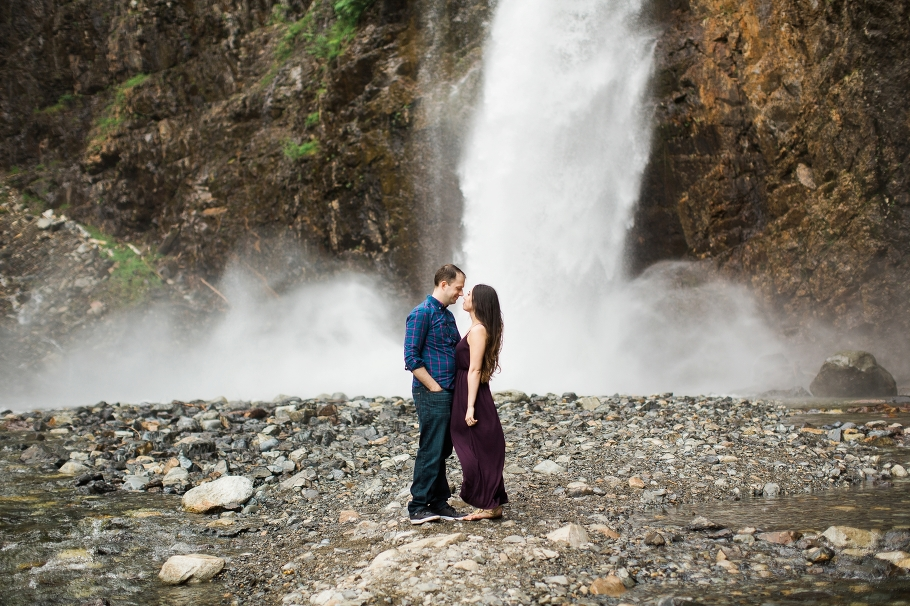 Franklin Falls Snoqualmie Engagement Seattle Wedding Photographer Adventure