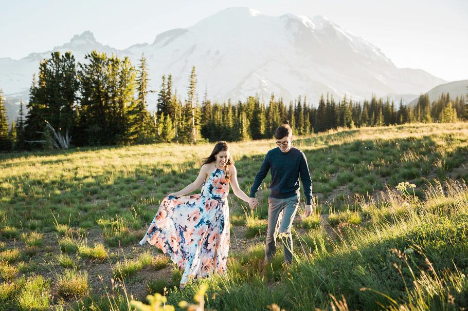 Mt-Rainier-Adventure-Anniversary-Session-Seattle-Bride-Photographer-Wedding-Photography-by-Betty-Elaine_0033