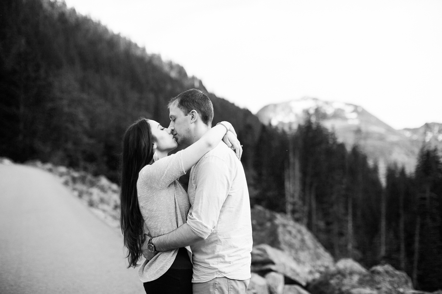 11-Franklin-Falls-Engagement-Mountain-Northwest-Photography-Snoqualmie-Seattle-Wedding-Photographer