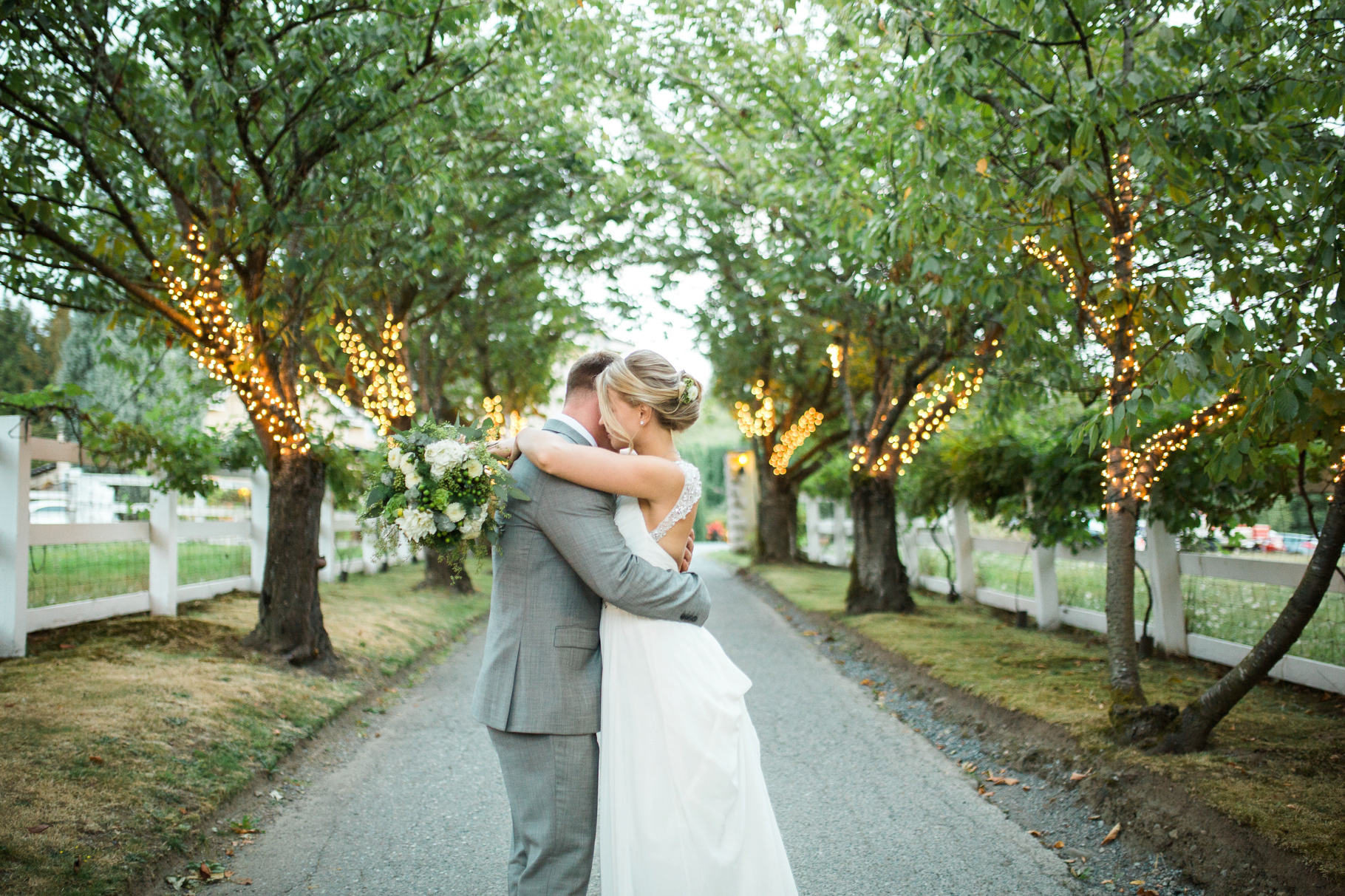 32-Woodinville-Bride-Groom-Washington-Winery-Delille-Cellars-Seattle-Wedding-Photographer