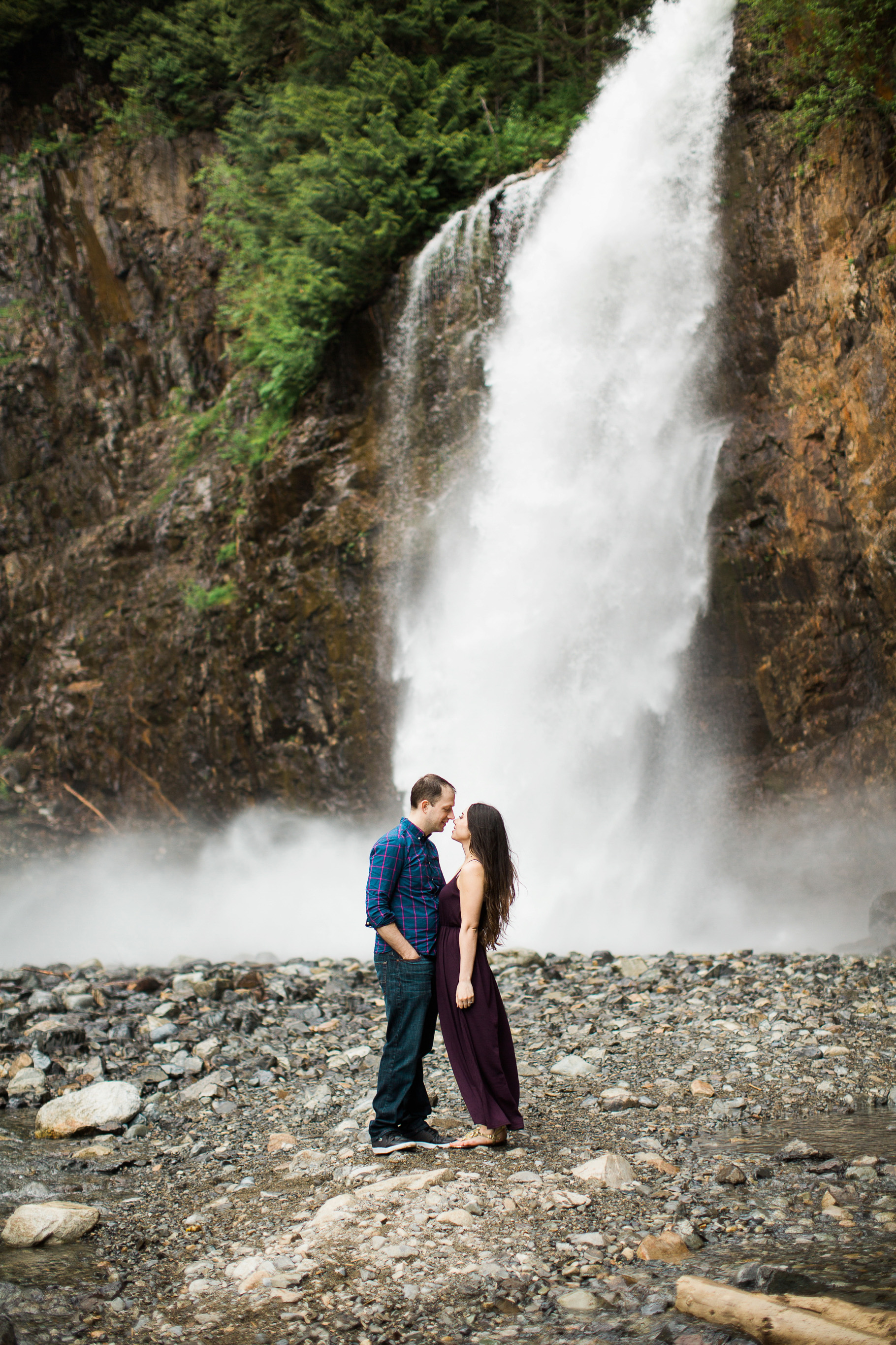 9-Franklin-Falls-Engagement-Waterfall-Photography-Snoqualmie-Seattle-Wedding-Photographer