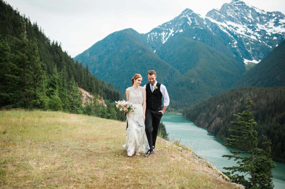 diablo-lake-elopement-seattle-wedding-photographer-bhldn-photography-hiking-adventure_0001