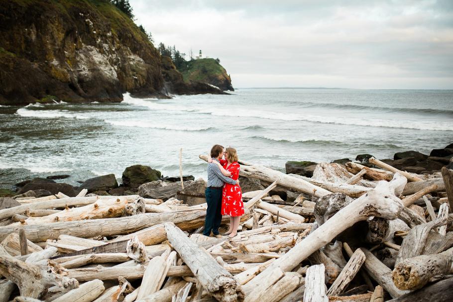 1-Waikiki-Beach-Cape-Dissapointment-Engagment-Session-Photos-Northead-Lighthouse-Wedding-Photographer-Northwest-Seattle-Photography