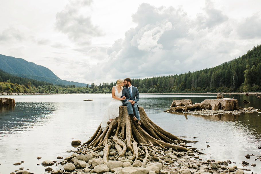Rattlesnake-Lake-Elopement-Wedding-Seattle-Photographer-Snoqualmie-Adventure-Photography
